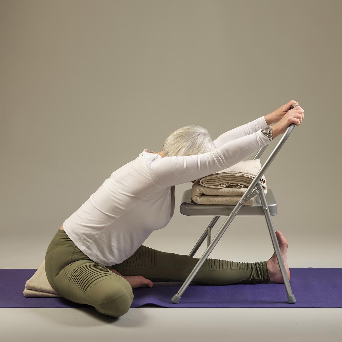 """pli assis au siège """"width ="""" 1200 """"height ="""" 1200 """"srcset ="""" https://gympilates-bordeaux.com/wp-content/uploads/comprendre-les-accessoires-comment-utiliser-la-chaise-de-yoga.jpg 1200w, https: / /www.yogamatters.com/blog/wp-content/uploads/2019/03/ chair-seated-forward-bend-300x300.jpg 300w, https://www.yogamatters.com/blog/wp-content/uploads/ 2019/03 / chair-seated-forward-bend-1024x1024.jpg 1024w, https://www.yogamatters.com/blog/wp-content/uploads/2019/03/ chair-seated-forward-bend-60x60.jpg 60w, https://www.yogamatters.com/blog/wp-content/uploads/2019/03/chair-seated-forward-bend-32x32.jpg 32w, https://www.yogamatters.com/blog/wp -co ntent / uploads / 2019/03 / chair-seated-forward-bend-50x50.jpg 50w, https://www.yogamatters.com/blog/wp-content/uploads/2019/03/chair-seated-forward-bend -64x64.jpg 64w, https://www.yogamatters.com/blog/wp-content/uploads/2019/03/chair-seated-foreated-bend-96x96.jpg 96w, https://www.yogamatters.com /blog/wp-content/uploads/2019/03/ chair-seated-forward-bend-128x128.jpg 128w """"values ="""" (max-width: 1200px) 100vw, 1200px """"/> </span></noscript> </span></p><p><span data-contrast="""